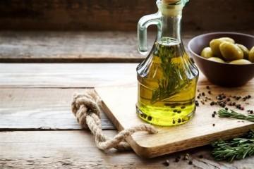 橄榄油加白醋美容法你能够这样做